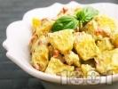 Рецепта Лесна картофена салата с майонеза и босилек без лук